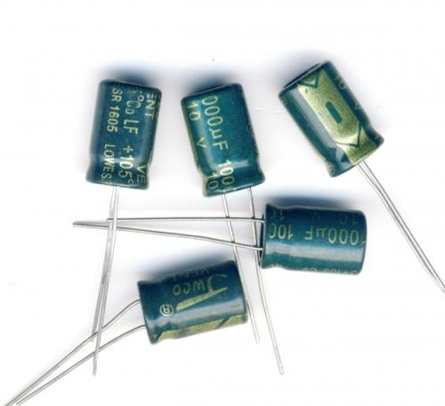 Конденсатор электролитический 1000x10v (8x12 мм)