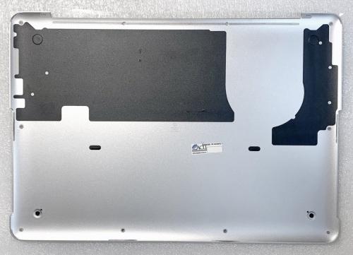 Нижняя крышка, поддон MacBook A1502 - состояние идеальное ! 99% new .