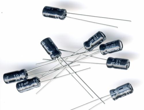 Конденсатор электролитический 10x35v (4x8 мм)