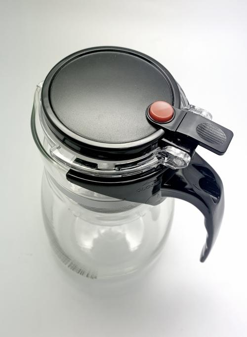 Чайник с кнопкой для заварки китайского чая. 750 мл